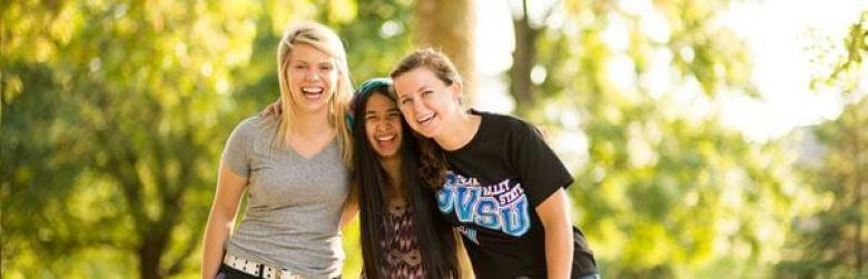 5 Useful Tips on How to Stop Feeling Shy and Make Friends in College